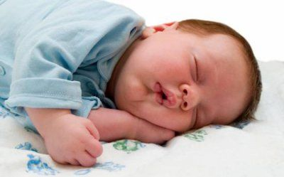 Апноэ у детей ночью: Ребенок задерживает дыхание во сне